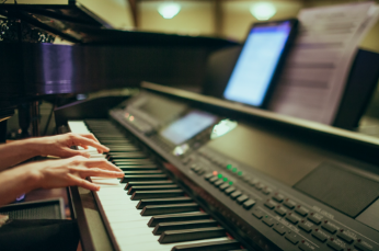 5 Things to Consider Before Buying a Digital Piano